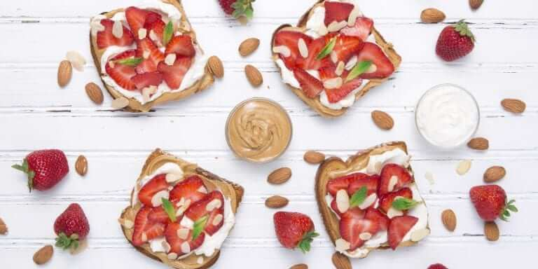 Strawberry & Almond Cheesecake Toast